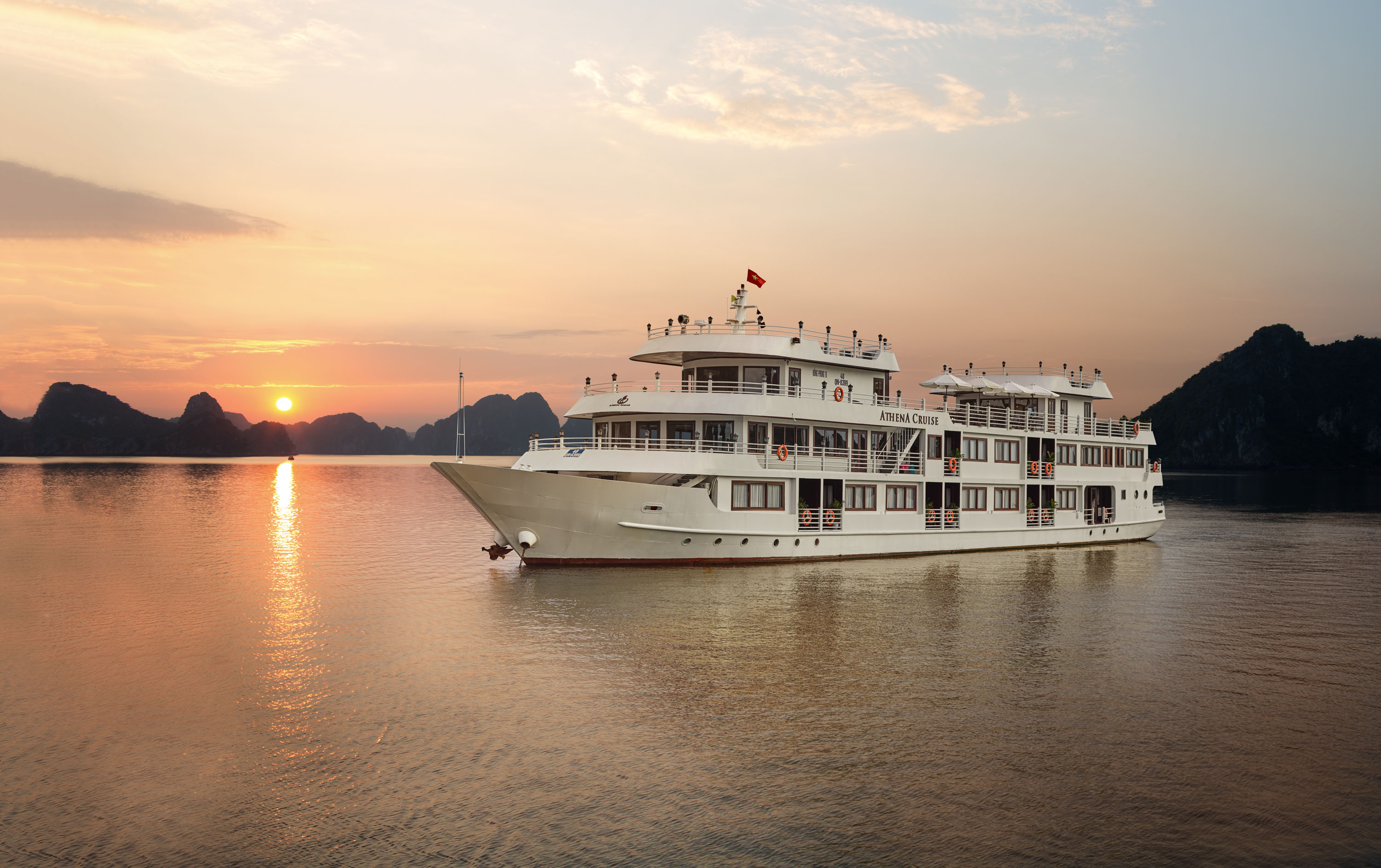 15 Days Luxury Vietnam Cruise Tour